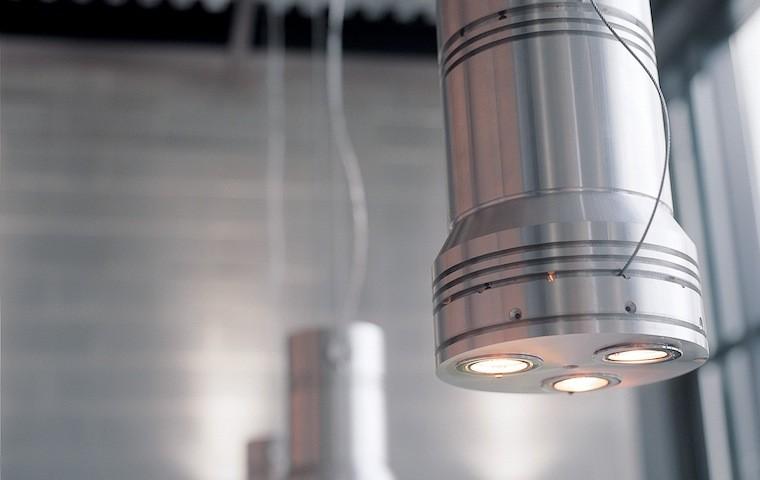 DESIGN: LAMPADA PISTONE